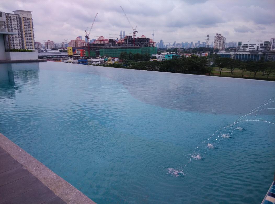Zetapark Swiming pool
